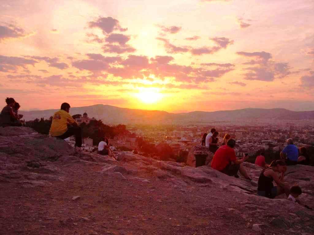 Zachód słońca na wzgórzu Aeropagos