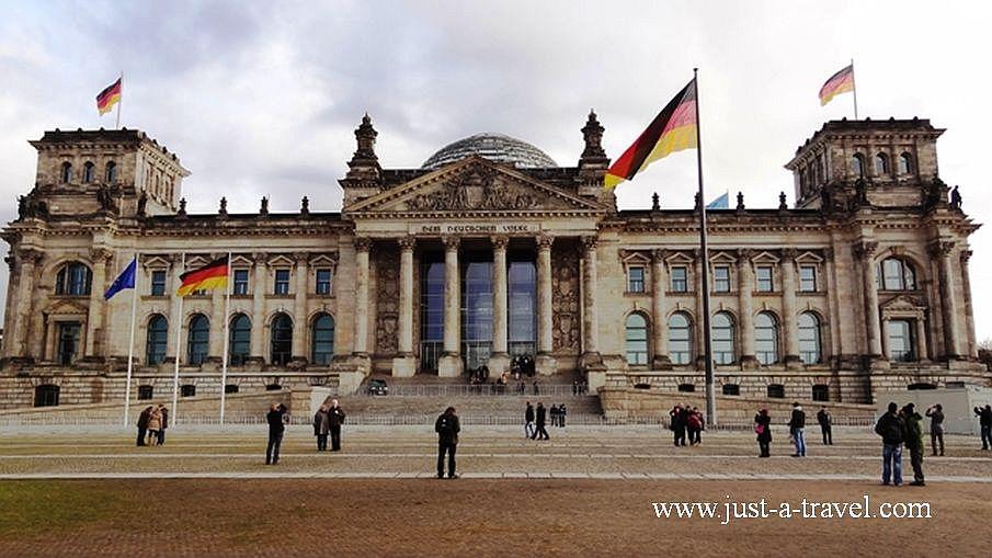 2. Reichstag - Fajne bary w Berlinie