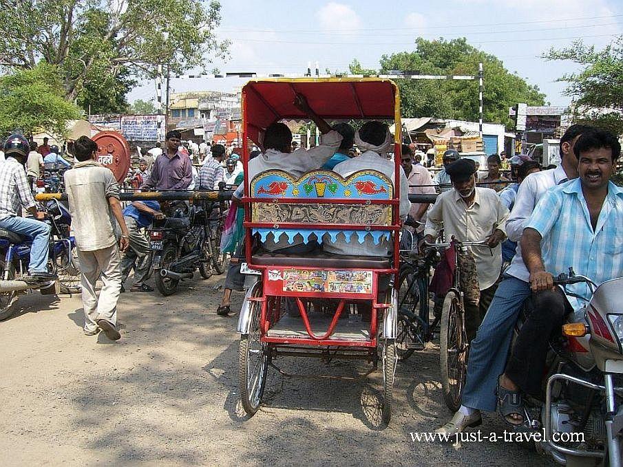 przejscie kolejowe - Zdjęcia z Indii