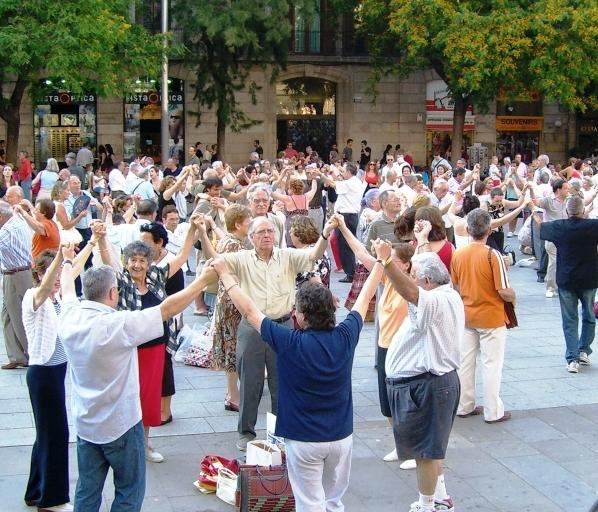 Sardana - narodowy taniec kataloński, symbol solidarności i jedności Katalończyków.