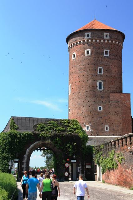 Baszta Sandomierska i Brama Bernardyńska u wejścia na Wawel