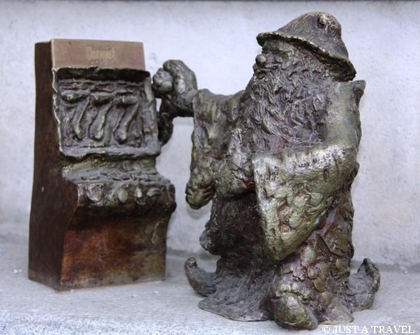 Farciarz jeden z wrocławskich krasnali