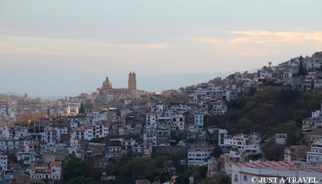Taxco i kościół Santa Prisca
