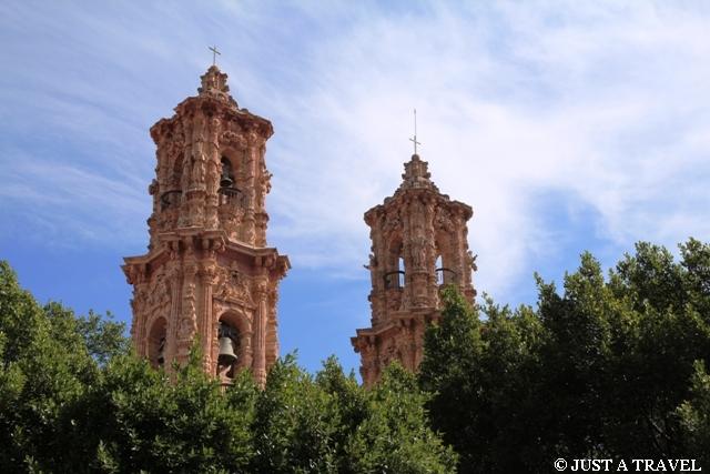 Wieże kościoła Santa Prisca