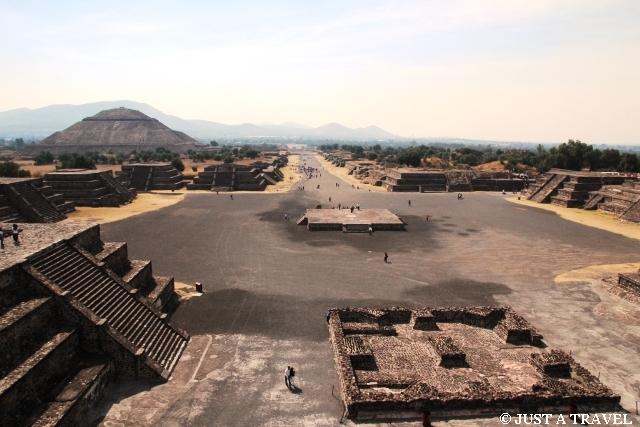 Avenida de los Muertos Teotihuacan