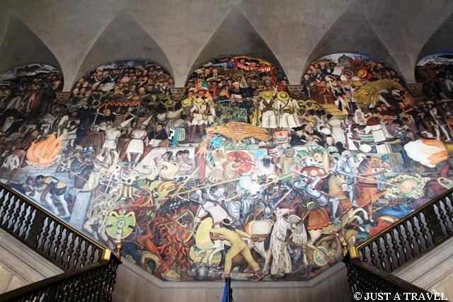 Palacio National Ściana Główna malowidł Diego Riviera