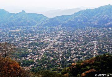 Piramida Tepozteco i Tepotzlan malownicze miasteczko w Meksyku