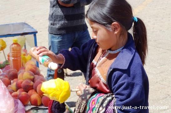 indiańska dziewczynka z mango