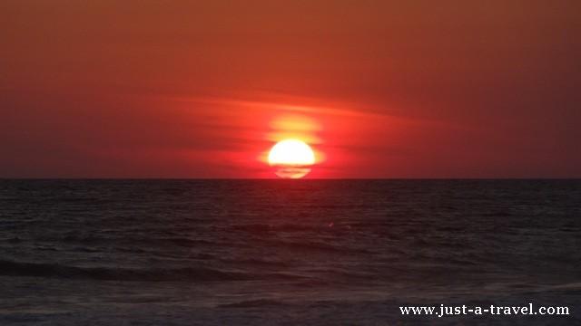 Zachód słońca w La Ventanilla