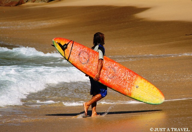 surfer z puerto escondido