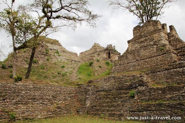 Ruiny Tonina