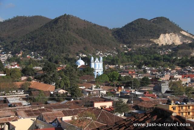 widok z kościoła San Cristobal, San Cristobal de las Casas