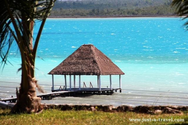Chatka nad laguną