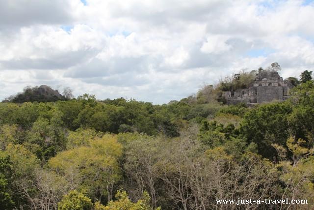 Widok z Struktury VII Calakmul