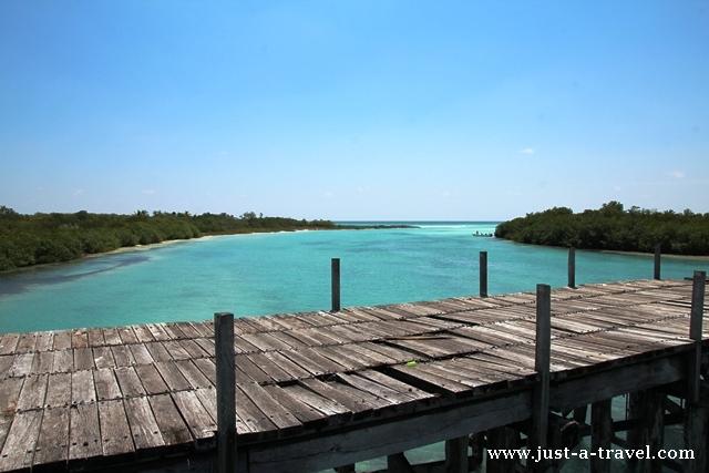 mostek na lagunie Sian Kaan