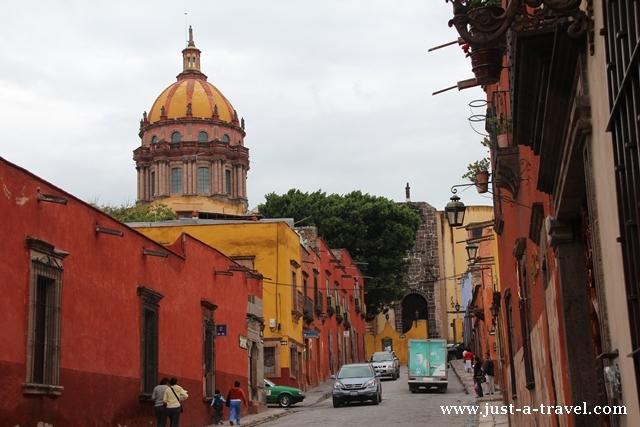 Widok na Las Monjas San Miguel de Allende