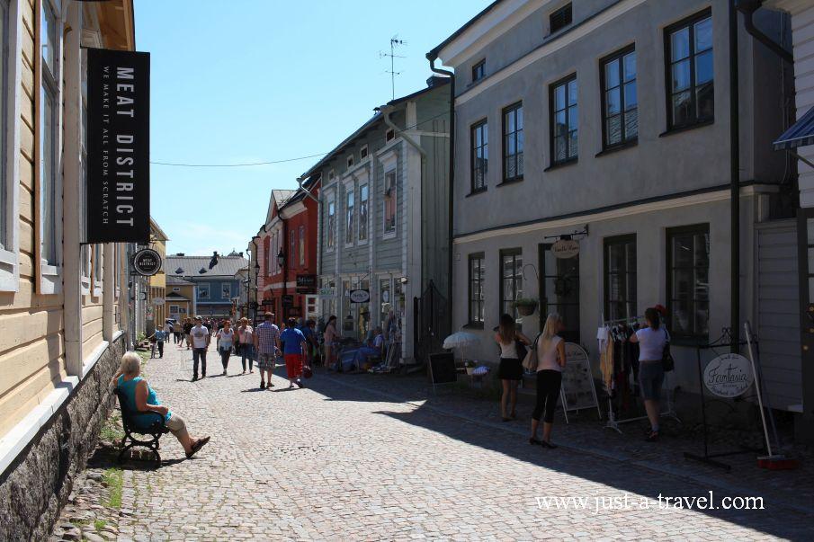 Glowna ulica Starego Miasta - Magiczne miasteczko Porvoo