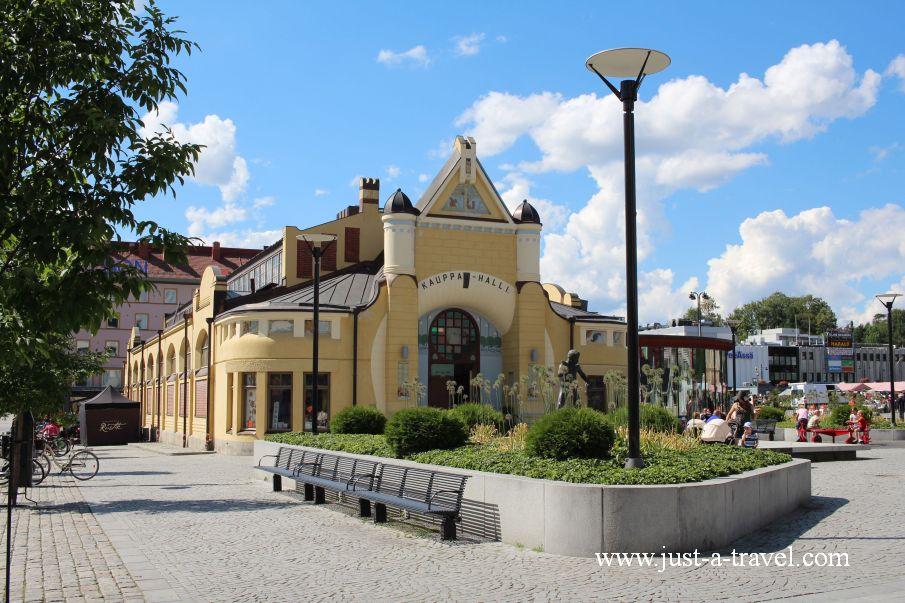 Hala Targowa w Kuopio - W drodze do Świętego Mikołaja
