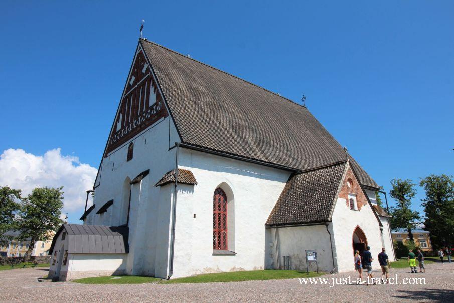 Katedra z Porvoo2 - Magiczne miasteczko Porvoo