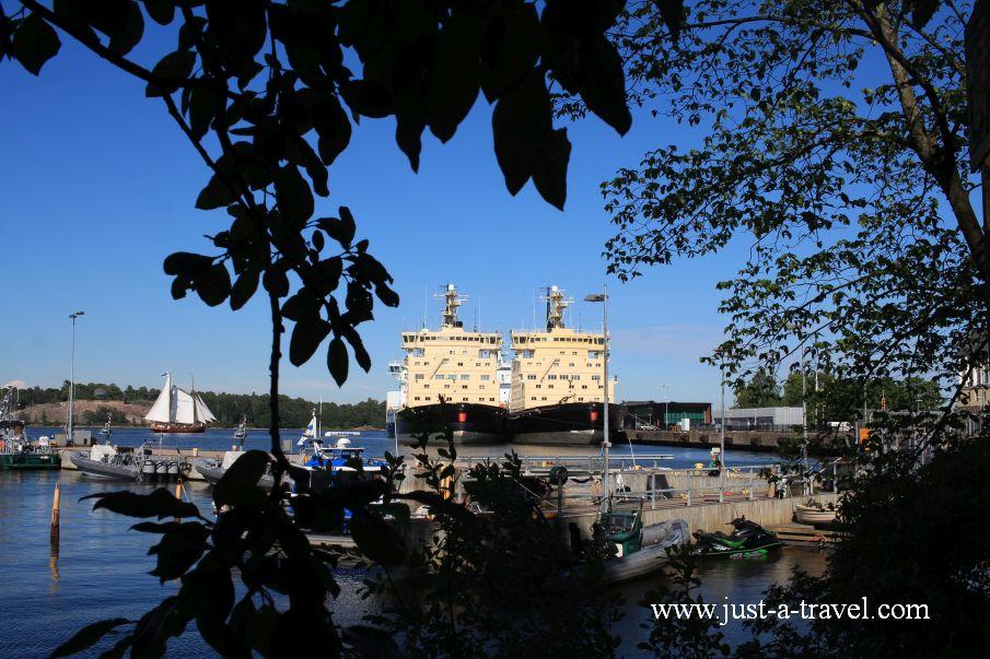 Okrety wojenne - Helsinki i Muminki