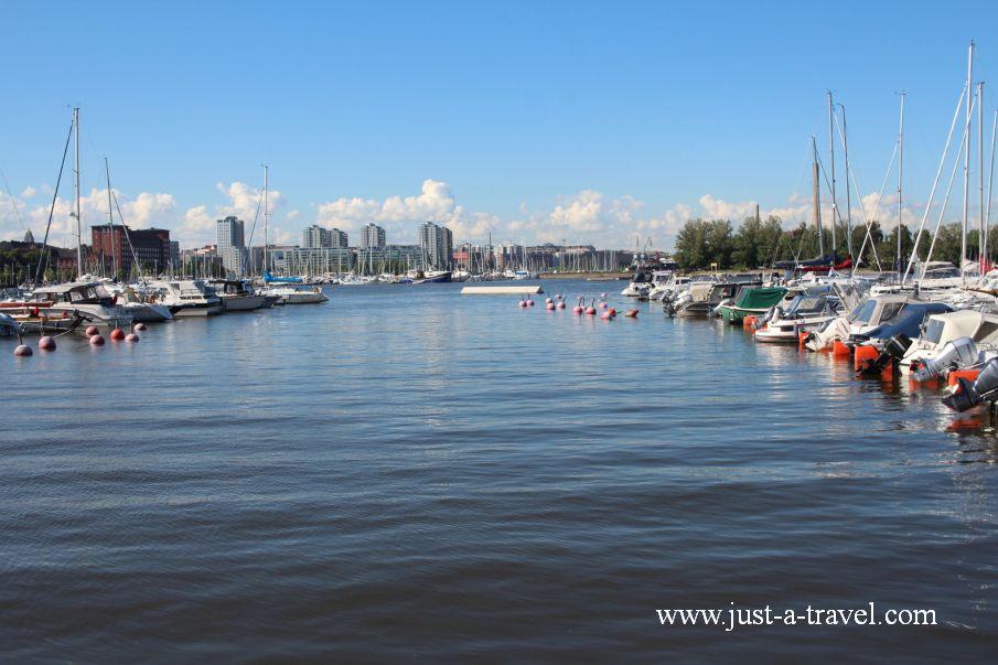 Port z zaglowkami - Helsinki i Muminki