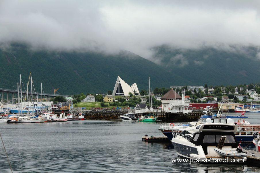 Port i Katedra Arktyczna 2 - W arktycznej scenerii Tromso