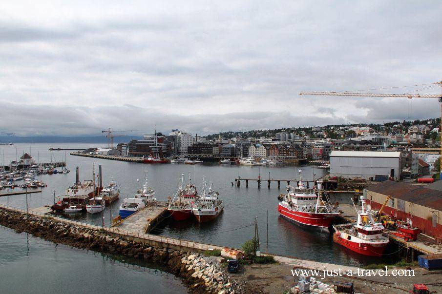 Widok z mostu na Tromso - W arktycznej scenerii Tromso