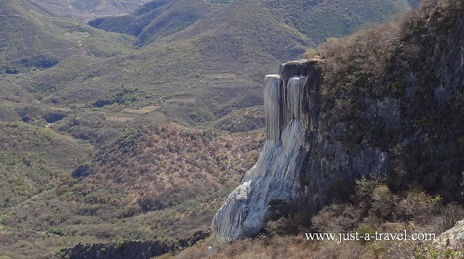 Kamienny wodospad w Hierve el Agua