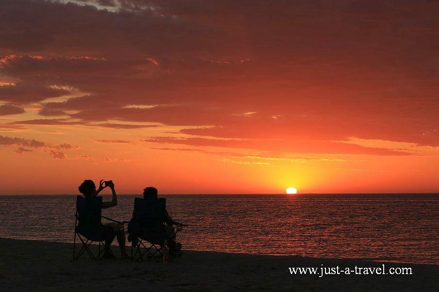 Zachód słońca w Coral Bay